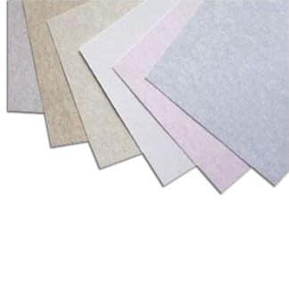 Картон цветной с мраморным эффектом Carrara 704 sabbia 50х70 см 175 г/м.кв. Fabriano Италия